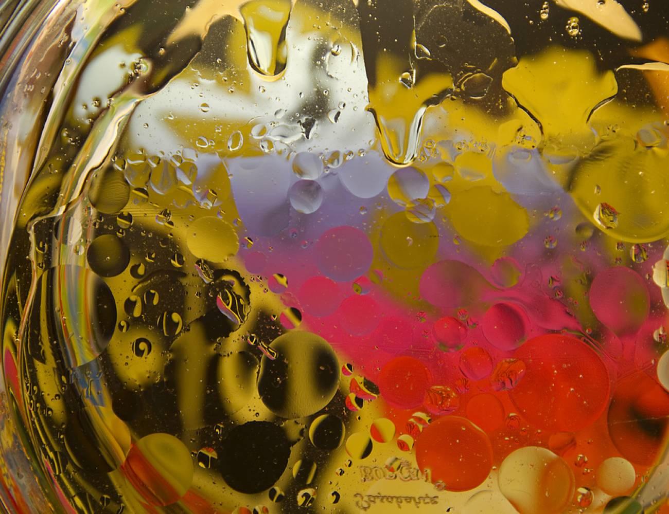 abstract-q-c-1300-1000-8